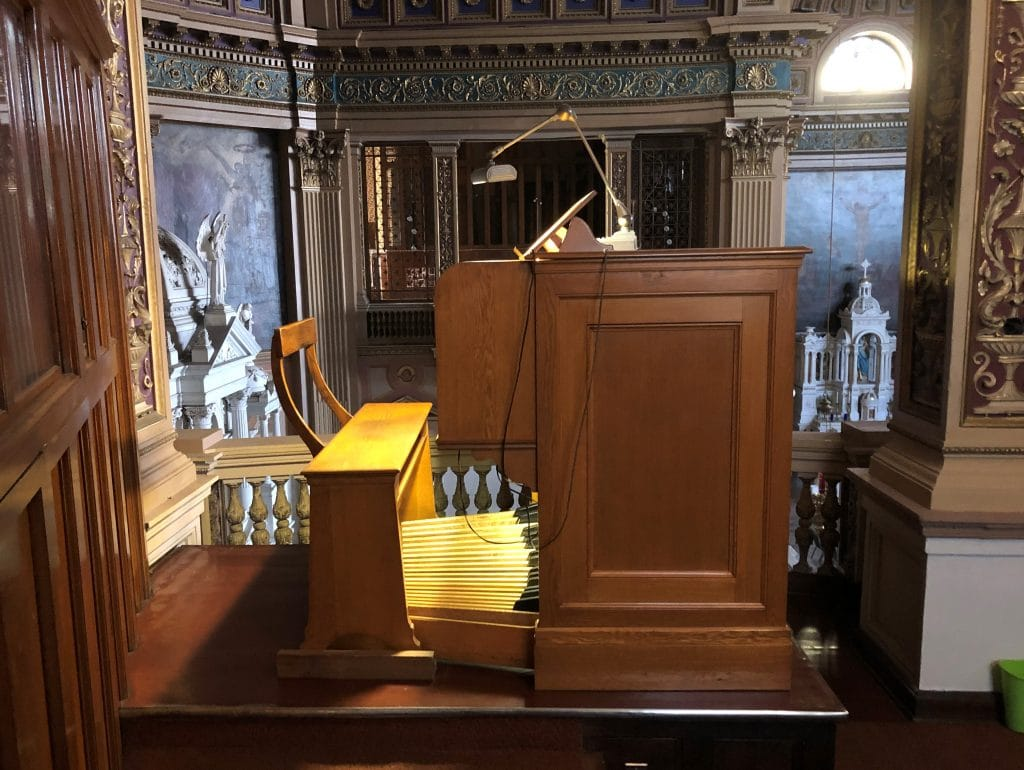 Organ at Our Lady of Sorrows Basilica, Chicago.